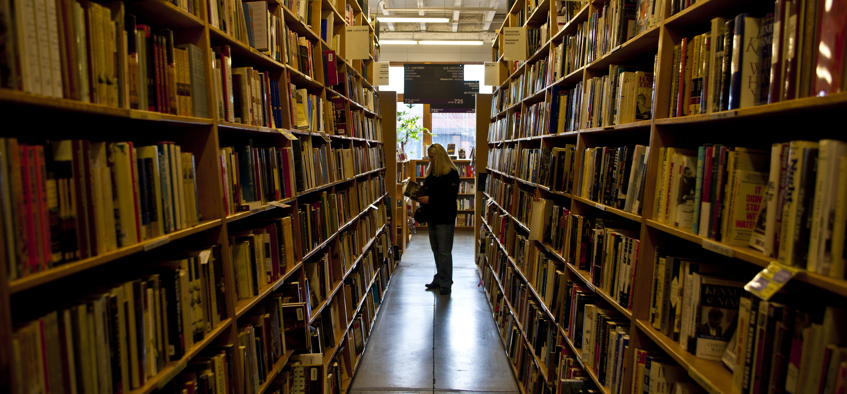 Powell's Books in Oregon Closing Temporarily