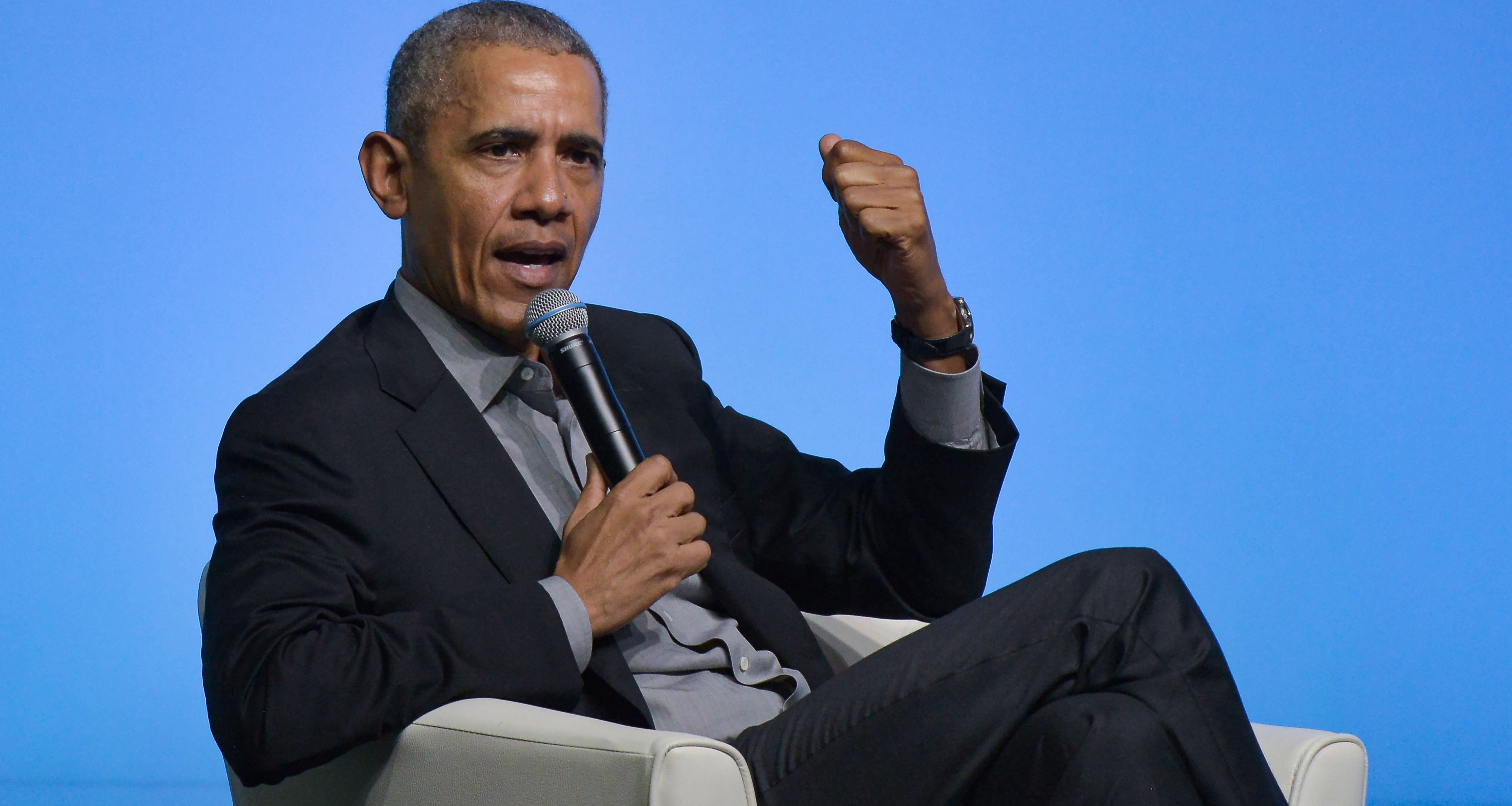 Obama Praises Authors for Helping People in Need